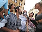 Sandro Biviano nel precedente sit-in di fine luglio (Fotogramma)