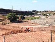 Gli scavi in corso nella discarica Ecofer a Falcognana (foto Jpeg)