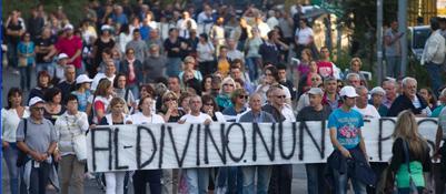 La protesta dei comitati contro la discarica di Falcognana (foto Jpeg)