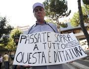 Un manifestante anti discarica (Jpeg)