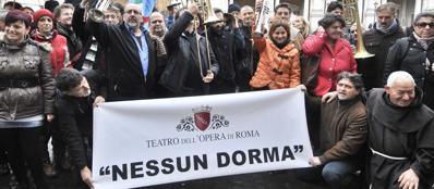 La protesta dei lavoratori dell'Opera in Campidoglio