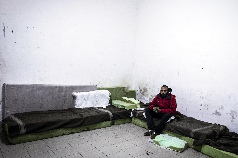 Cie roma espulsi dall italia due degli immigrati con le for Onorevoli pd donne