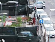 Caos parcheggi in via Albalonga a Roma (Jpeg)