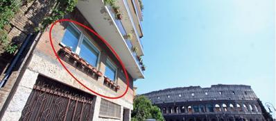 La casa acquistata da Scajola al Colosseo (foto Jpeg)