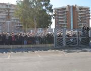 I fan lasciati dietro il cancello ad Aprilia (Marangon)