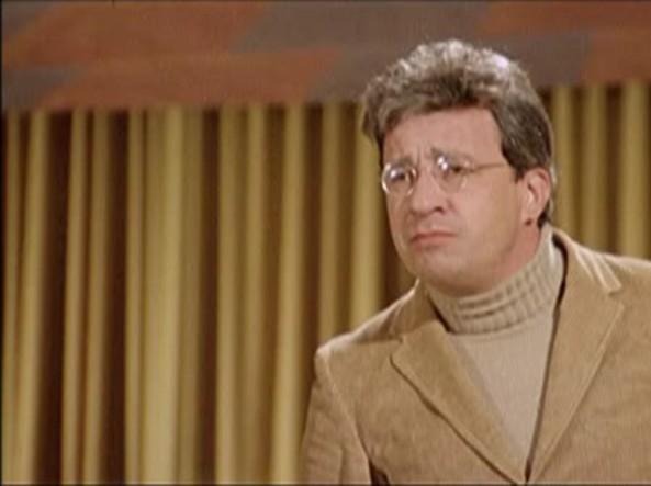 """Mauro Vestri in una scena de """"Il secondo tragico Fantozzi"""""""
