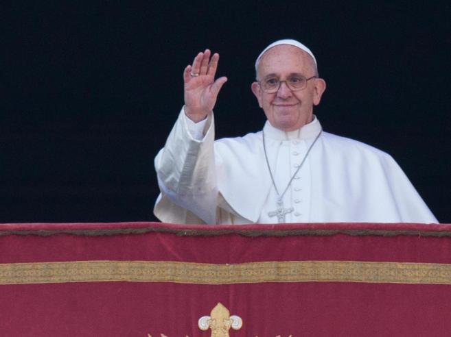 Il Papa: «Cristiani perseguitati nel  silenzio vergognoso di tanti»