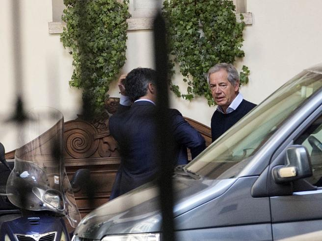 Forza Italia, a  Berlusconi pieno  mandato per scelta candidatoalternativo a Guido Bertolaso