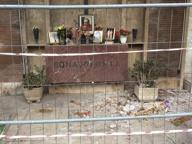 Verano, pericolo crolli al riquadro 35 Transennata la tomba di Mario Riva