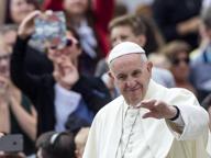Il Papa: no alla fede «fai da te», mai odio e violenza nel nome di Dio