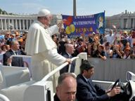 Il Papa: «Dio è debole nel dimenticare i nostri peccati se torniamo da lui»