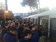 Rallentamenti sulla Roma-Lido per un treno guasto a Ostia Antica