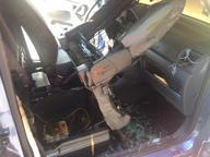Aprilia, attentato incendiario contro il furgone di radio una privata