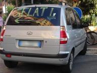 «Gelati»: quando la pubblicità (fai da te) è sul lunotto dell'auto