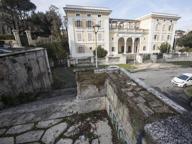 Valle Giulia, rifiuti e marmi divelti Progetti di rilancio inattuati