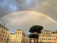 Roma, sui social impazza il doppio arcobaleno