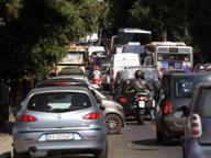 Roma, mega ingorgo sull'Aurelia per il concorso della polizia