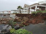 Mareggiata da Ostia a Fregene Lidi crollati, spiagge devastate
