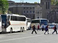 Roma prigioniera dei pullmanI numeri dell'invasione in centro e la promessa disattesa da Raggi