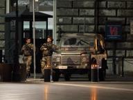 Piazza Cavour, caschi e bottiglie Il ritorno 2.0 della piazza «nera»