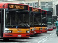 Bus Atac, targhe illeggibili Sostituite a cento euro l'una