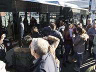 Molesta sul bus una minorenne in gita, arrestato 44enne