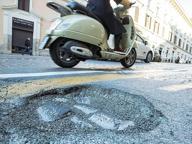 L'emergenza buche può attendere: ai Municipi 10 milioni in tre anni per 4700 chilometri di strade