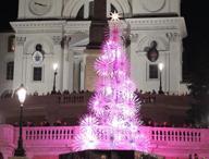 A via Condotti si accende il Natale