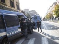 Referendum, blindato corteo per il No Mazze e spranghe nel bus antagonisti