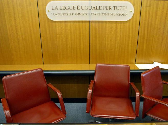 Roma: ripudia la figlia, condannato a pagare 300 mila euro di danni