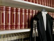 Corruzione, piatti da pizza in cambio di assoluzioni: giudice in manette