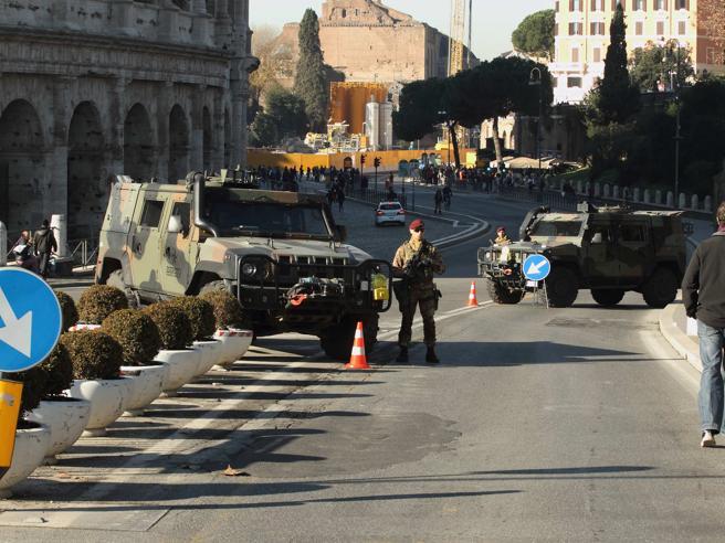 Natale, centro di Roma blindato dopo gli attacchi di Berlino Foto