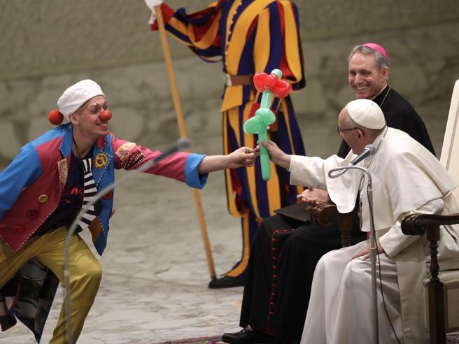 Vaticano, il Papa ai circensi: «La bellezza avvicina a Dio» Foto