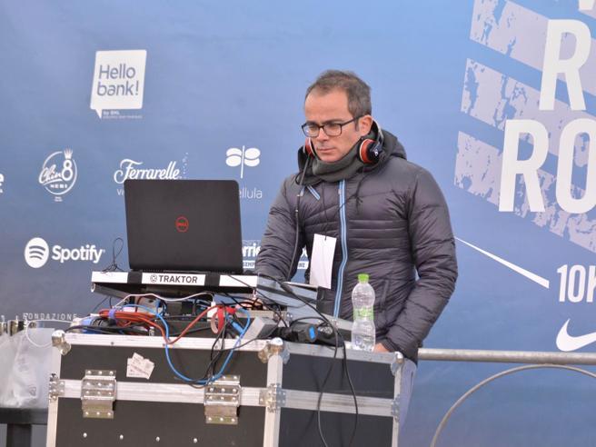 We run Rome, il marito della Raggi fa il dj alla maratona  Foto