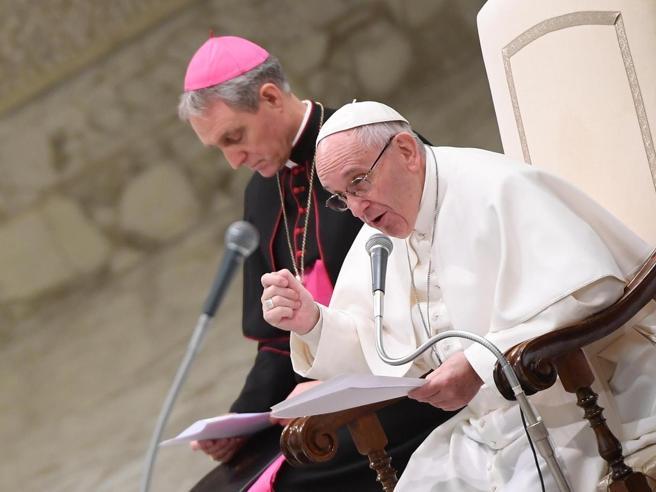 L'avviso del Papa ai fedeli: «Pagare i biglietti per l'udienza è una truffa»