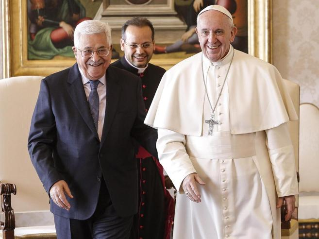 Il Papa incontra Abu Mazen: «Ama la Palestina e la pace» Foto