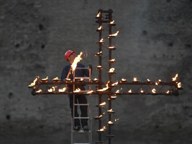 Via Crucis blindata, tremila uomini per la sicurezza Foto