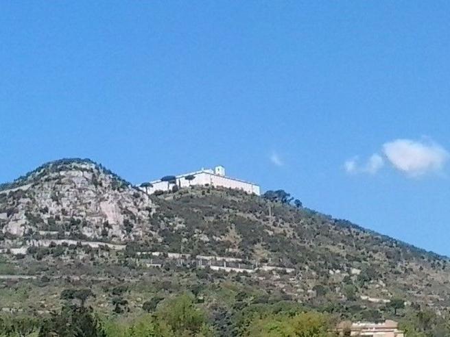 Siccità nel LazioE i monaci di Montecassino  restano a soppalco
