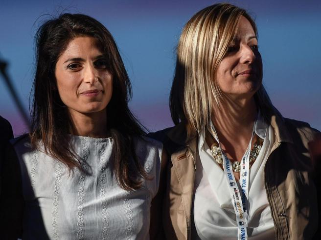 Lombardi: «Il nostro codice è chiaro, Raggi se condannata dovrà lasciare»