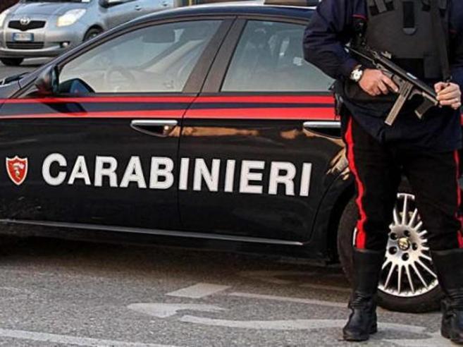 Roma, legano e violentanodue ragazze di 14 anni: arrestati due nomadi 20enni