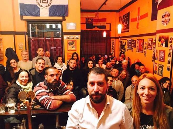 L'exploit di Casapound:     dagli   «spot» con Nina Moric alle foto con il clan di Nuova OstiaBallottaggio tra M5S e Meloni