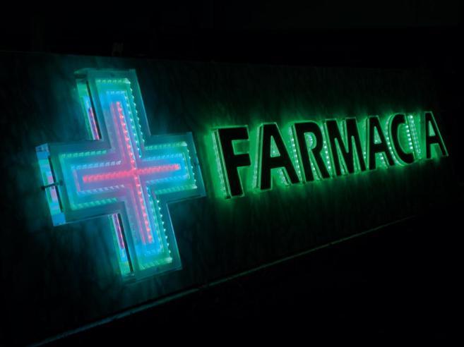 Farmaci, aumentano le tariffe in farmacia su notturno e galenici: il supplemento notte raddoppia