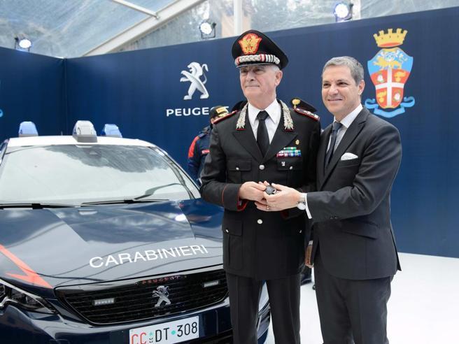 I  carabinieri a scuola di guida dal  campione italiano di rally