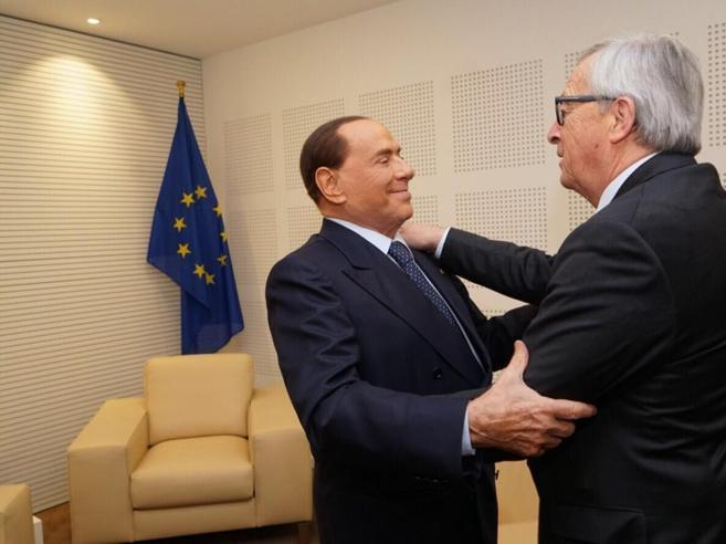 La «rivincita» di Berlusconi nel Ppe (con un abbraccio di Juncker )
