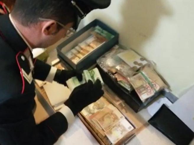 Droga e riciclaggio di denaro fra Londra e l'Italia: 20 arresti, 5 indagati