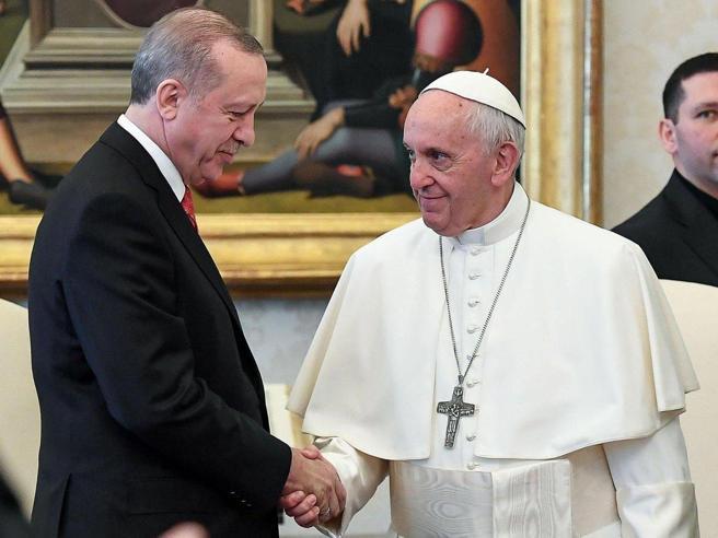 Il Papa incontra Erdogan: colloquio privato su pace e diritti umani |Foto