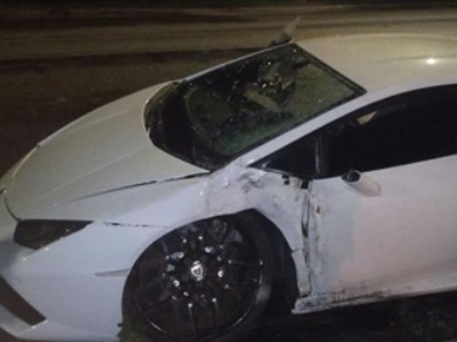 Bruno Peres: incidente a Roma, si schianta con la sua LamborghiniE sui social diventa «Bruno Ceres»