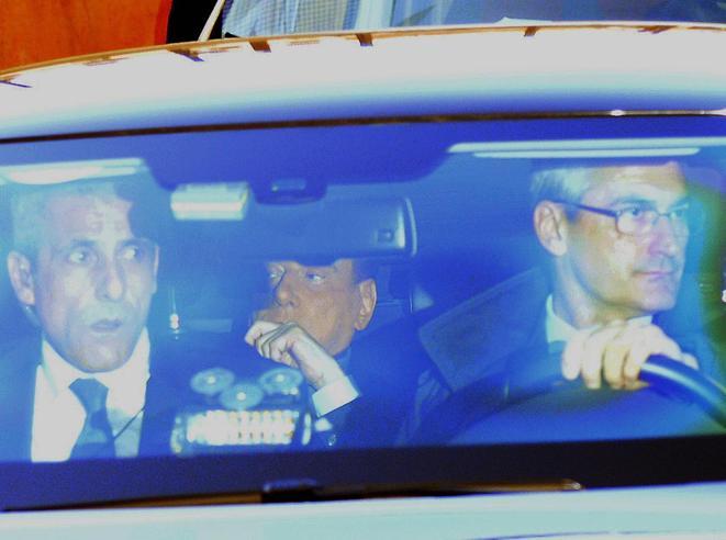 Berlusconi: «Cacciare i 5 Stelle. Sull'appoggio del Pd convinceremo Meloni e Salvini»