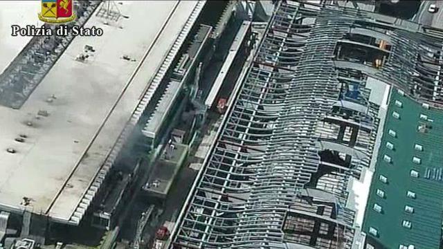 Fiumicino l 39 aeroporto visto dall 39 alto dopo l 39 incendio for Tito d emilio arredamenti catania