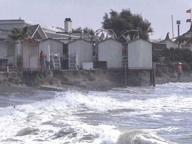 Ostia, mareggiata danneggia spiaggia e stabilimenti